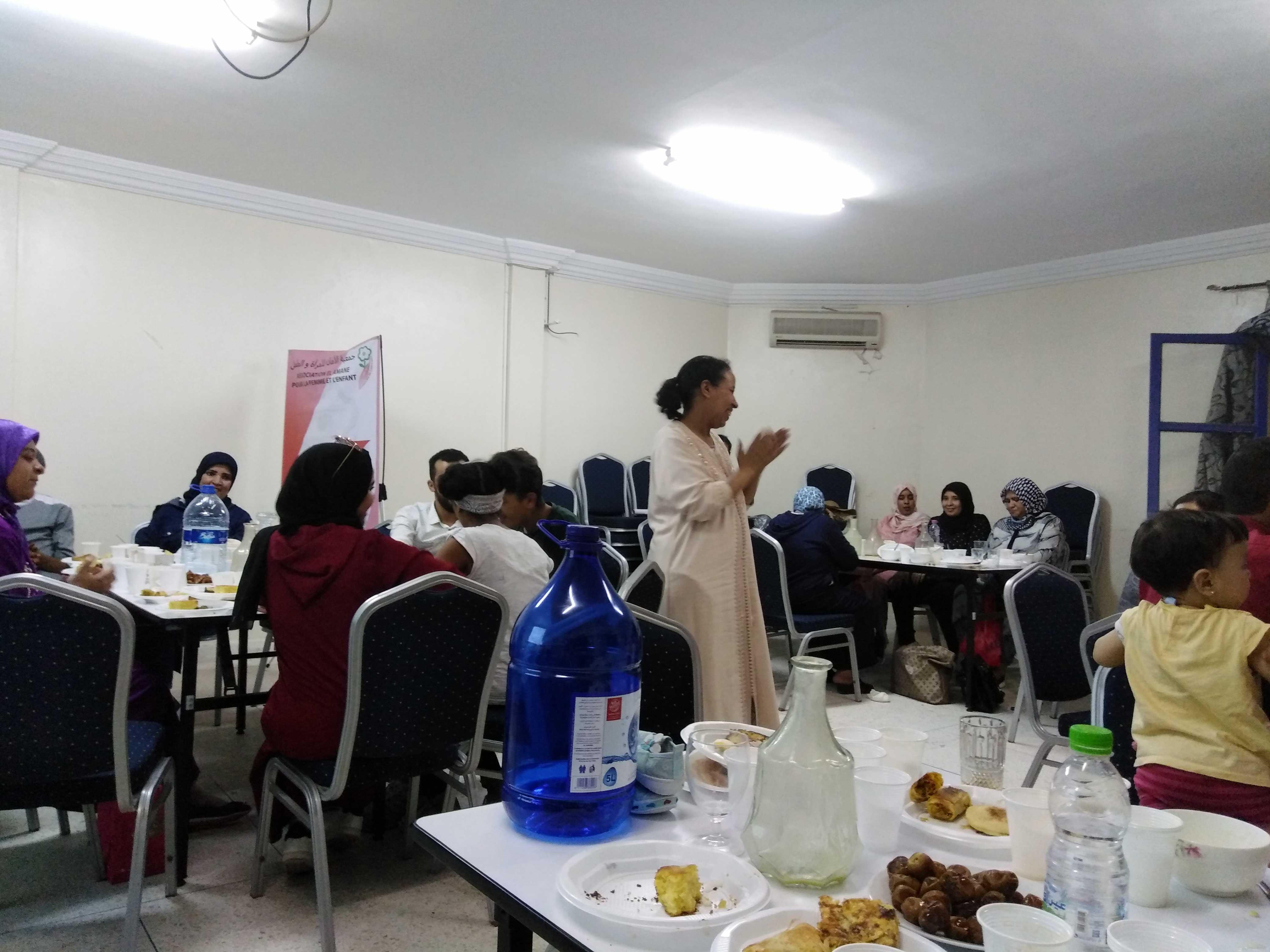 تقديم إستراتيجية الأمان بالإفطار الجماعي